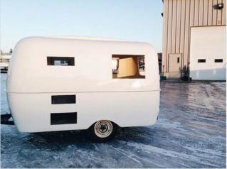 Le «makeover» de cette mini-roulotte vintage vous donnera envie de vivre d'amour et d'eau fraîche Captur39