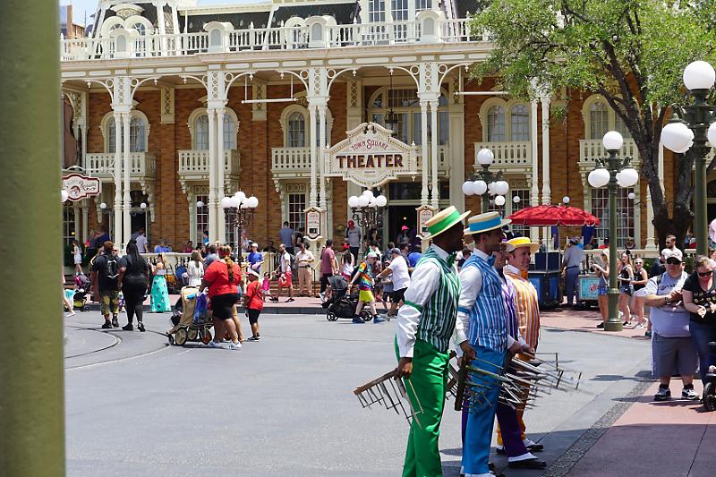 """The happiest place on Earth""  Walt Disney Wolrd Port Orléans Riverside du 11 au 20 Avril 2018 - Page 14 Dsc04813"