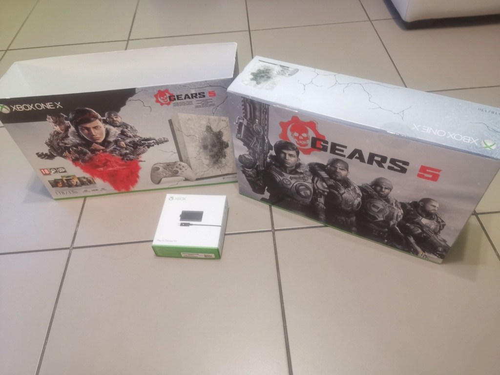 [VENDU ] console XBOX one X collector GOW Img_2038