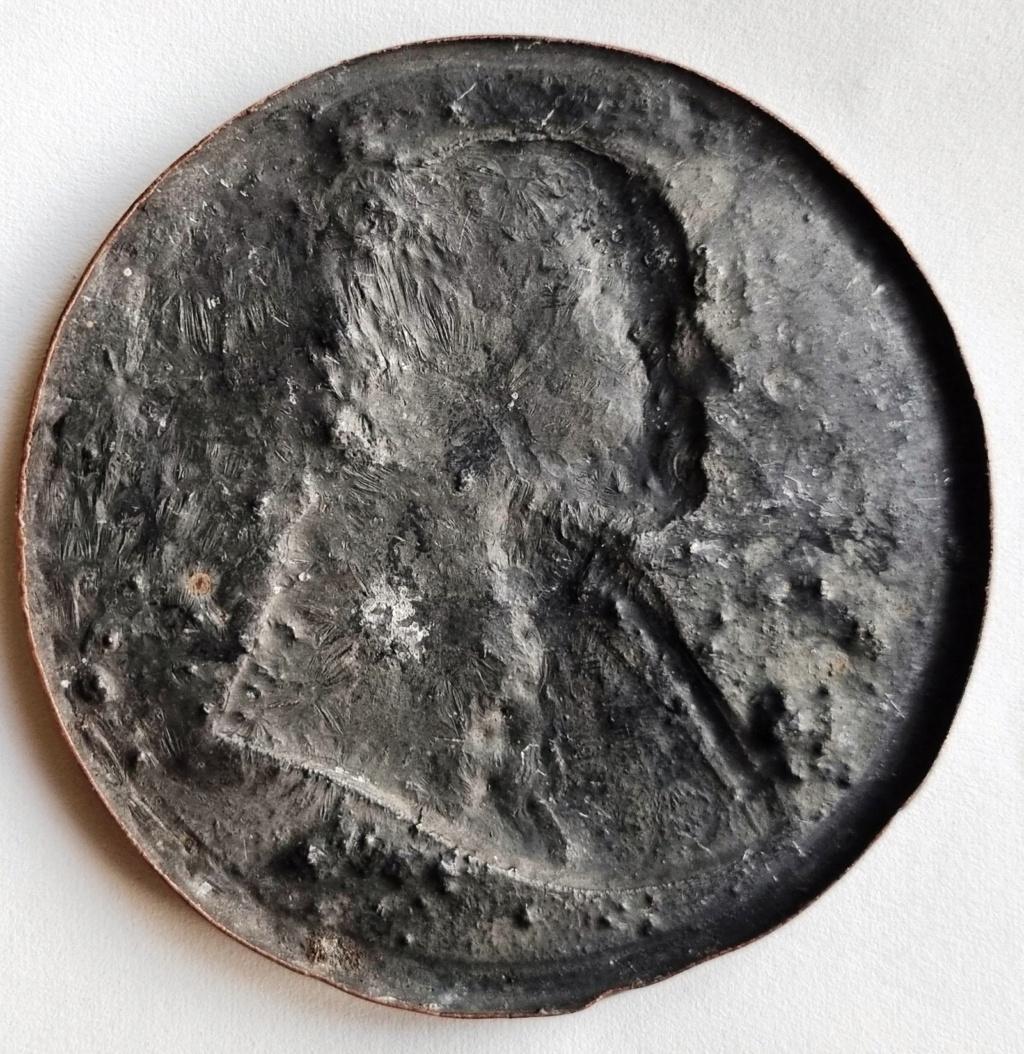 Besoin d'aide sur cette médaille 1869. Stato Pontificio. PIO IX (1846-1878) 1869_s11