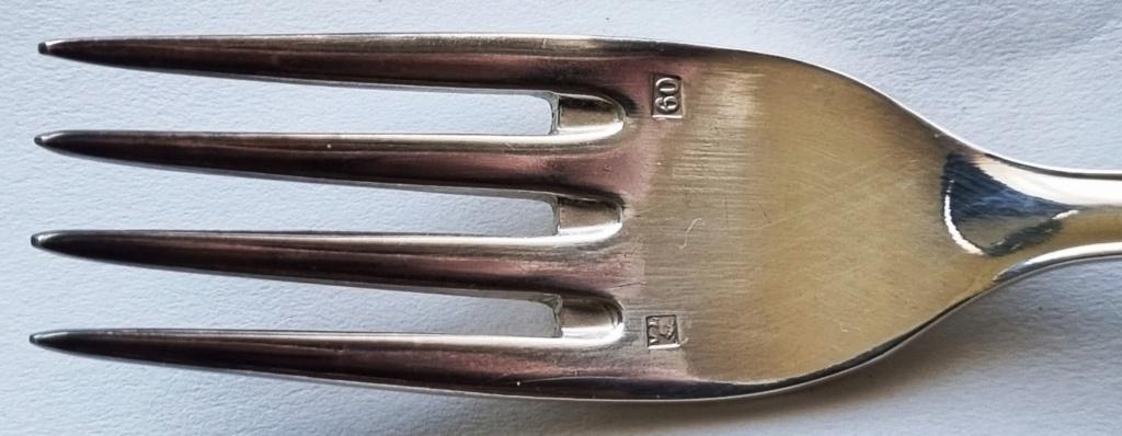 Besoin d'aide pour ces poinçons sur cette fourchette ??? 20210314