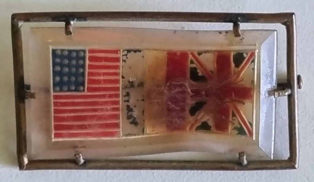 Identification de cette épingle aux trois drapeaux  20210338