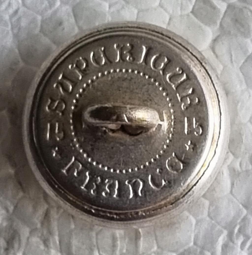 bouton à identifier aux épaulettes ??? 20210935