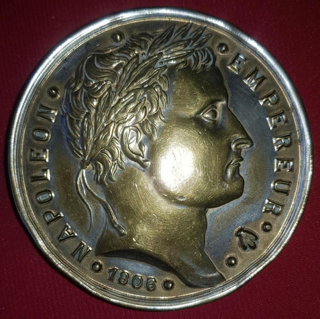 Medaille a identifier .... napoleon merci  Dbdbec10