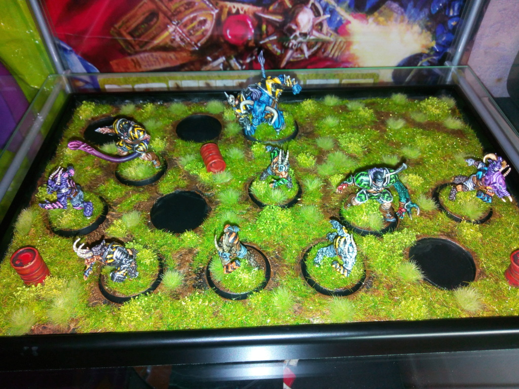 The DINKY TOYS / Chaos Chosen BloodBowl Team Dinky_34