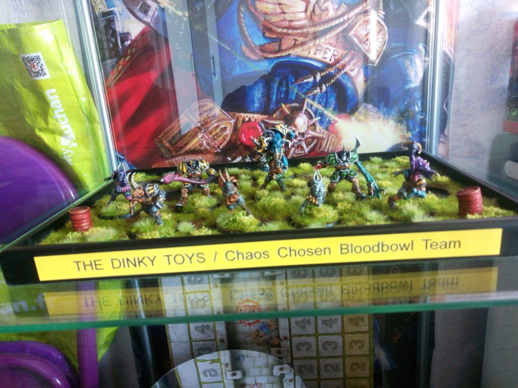 The DINKY TOYS / Chaos Chosen BloodBowl Team Img_2348