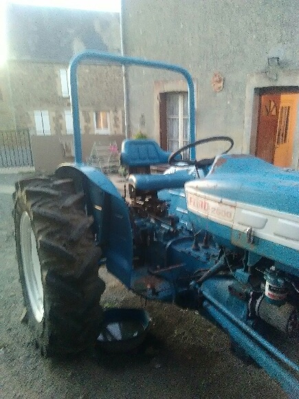 Ford 2000 16053710