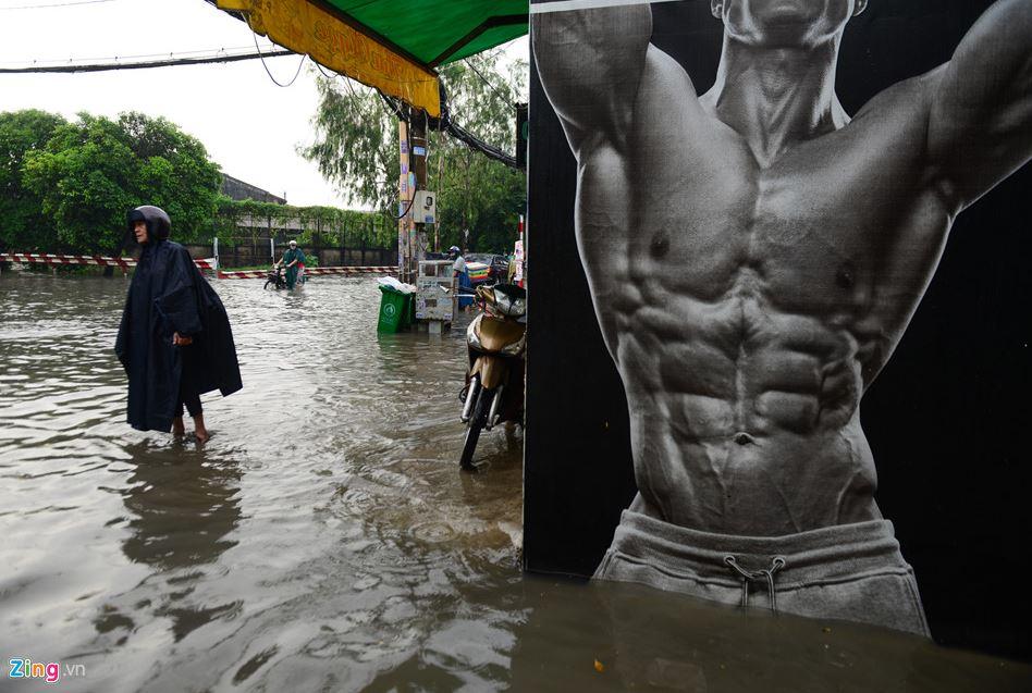 Dân chơi 0 sợ mưa rơi ....hay lũ lụt!  Cd11