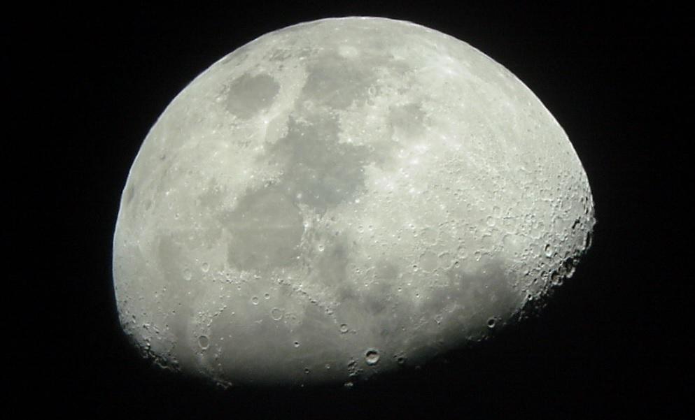 Les premières photos Lune_210