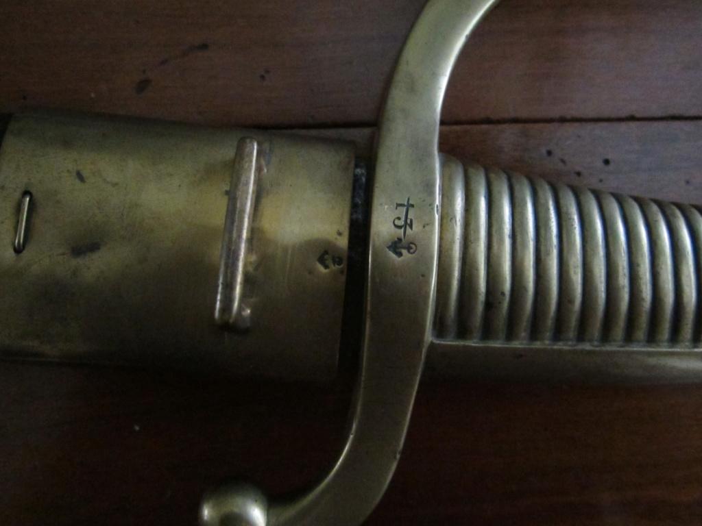 Curieux sabre briquet..... de marine !!!!! Img_4121