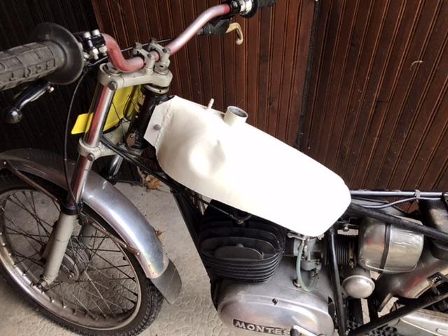 Finis les problemes de fuite d essence... 4ec14410