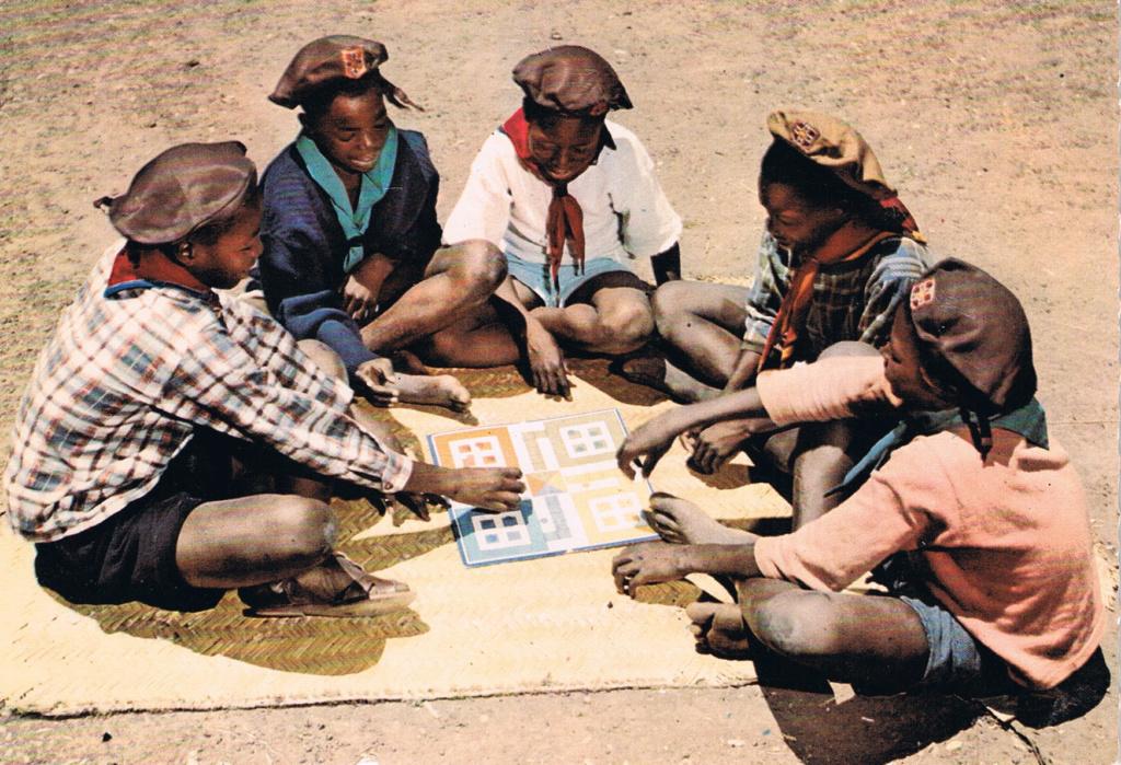 POSTALES DE JUEGOS Africa10