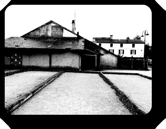 Очарование Франции в черно-белом облачении 23_2315
