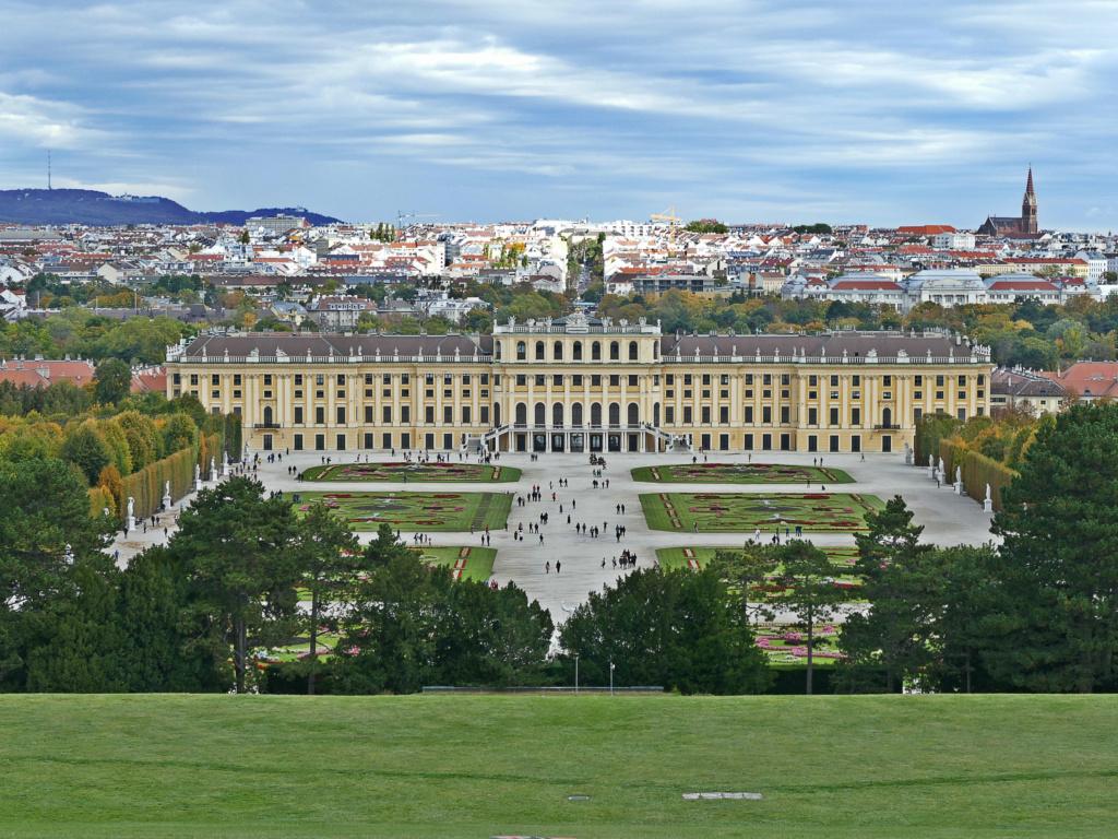 Le palais de Schönbrunn - Page 5 Schznb13