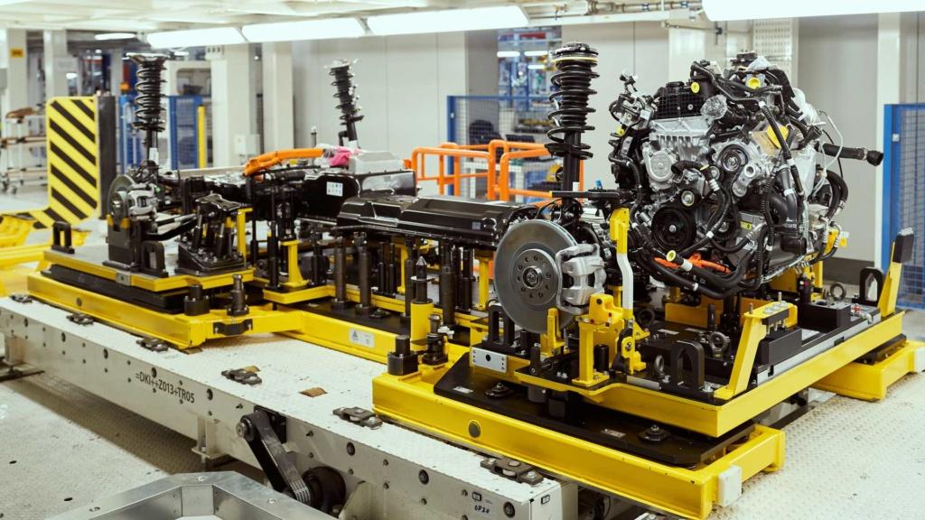 Jeep Compass e Renegade híbridos começam a ser produzidos Jeep-c10