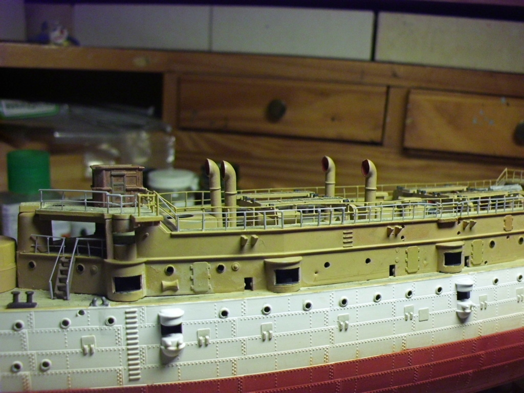 Croiseur USS Olympia Revell 1/232 - Page 2 4610