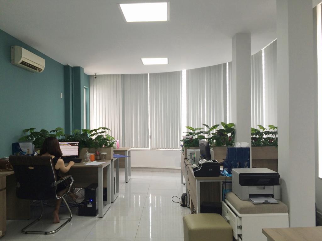 Cho thuê Văn phòng mặt tiền Bến Vân Đồn, quận 4, TP.HCM 310