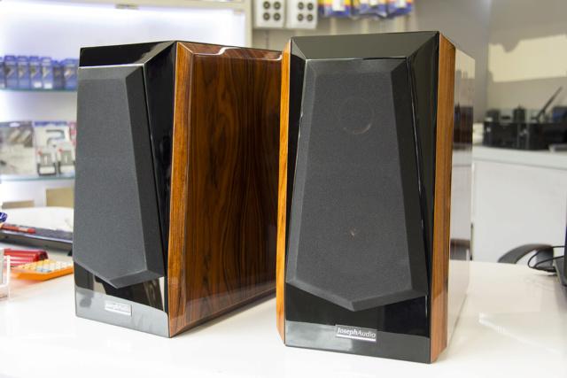 Joseph Audio Pulsar bookshelf speaker (USED) Img_8510