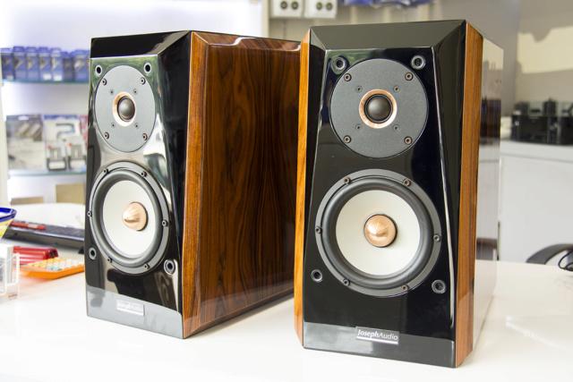 Joseph Audio Pulsar bookshelf speaker (USED) Img_8512