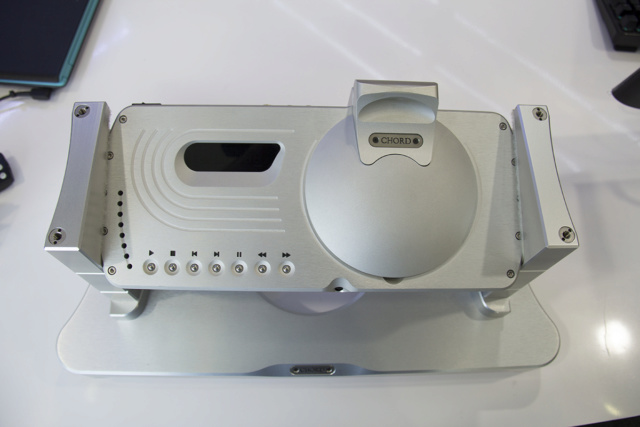 Chord ONE CD Player (stand included) (USED)(SOLD) Img_9210