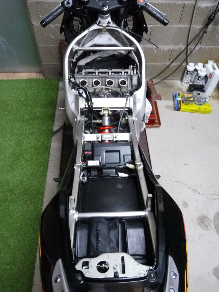 Honda CBR600RF PC35 - Révision des 40 000 km. Cbr00013