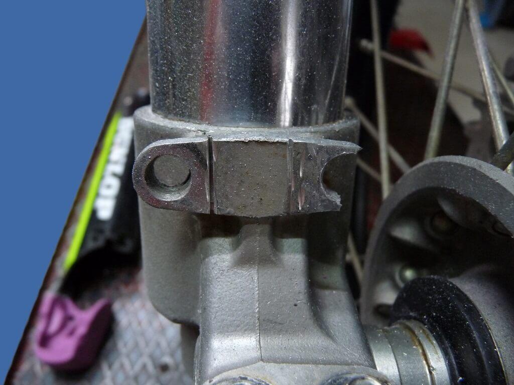 Remise en état des fixations de protection de tube de fourche. Supf0014