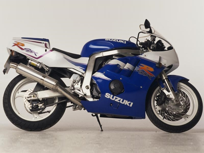 Suzuki GSX400R - 1992 - Restauration de la rampe carburateurs. Suzgsx10