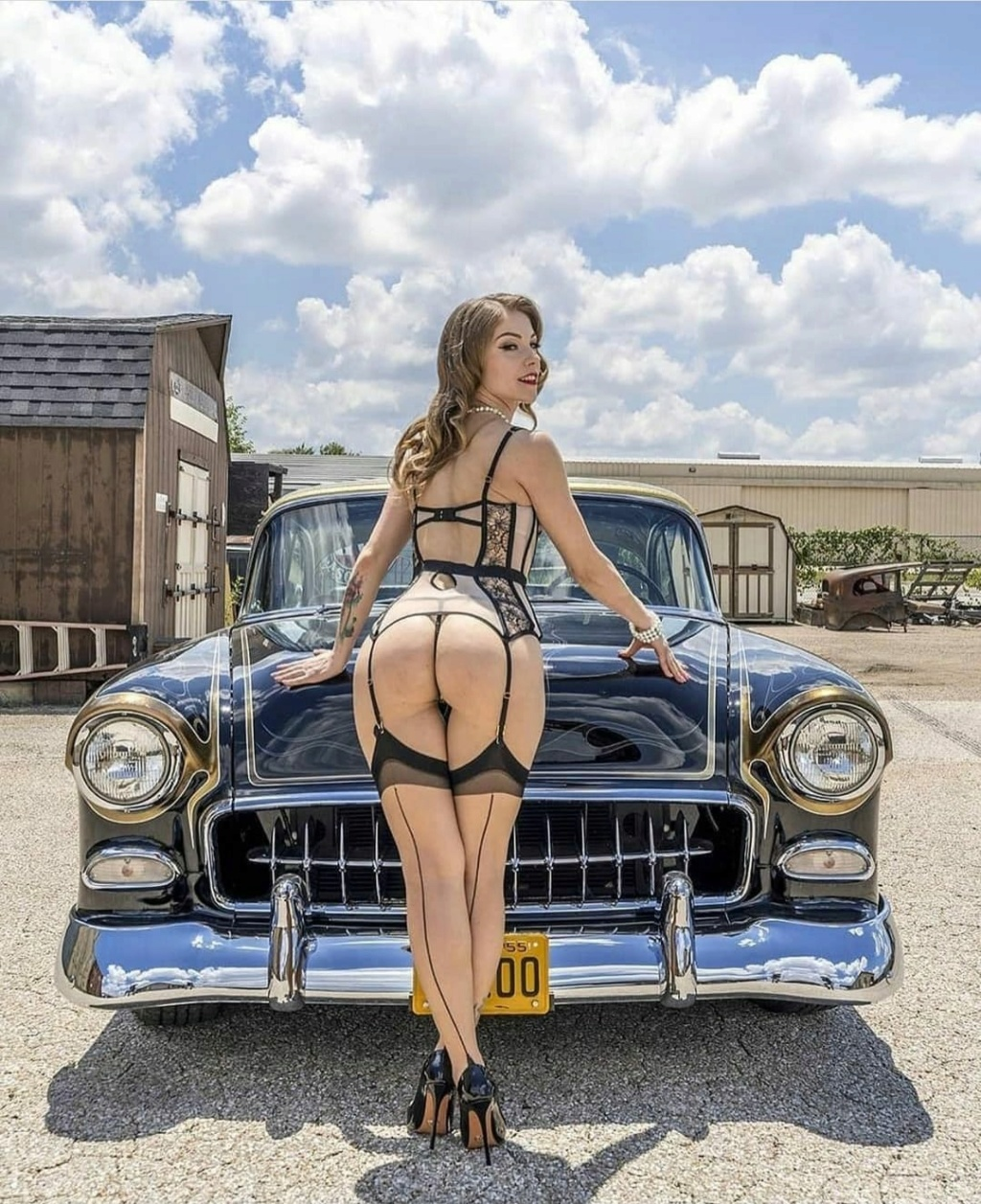 Pin-up et hotesse - Page 27 13150210