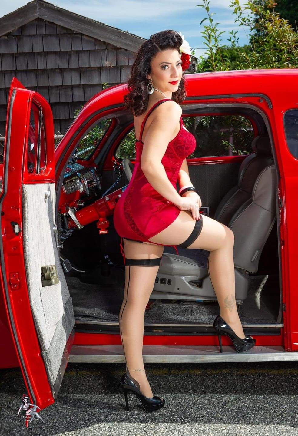 Pin-up et hotesse - Page 16 Fb_im187