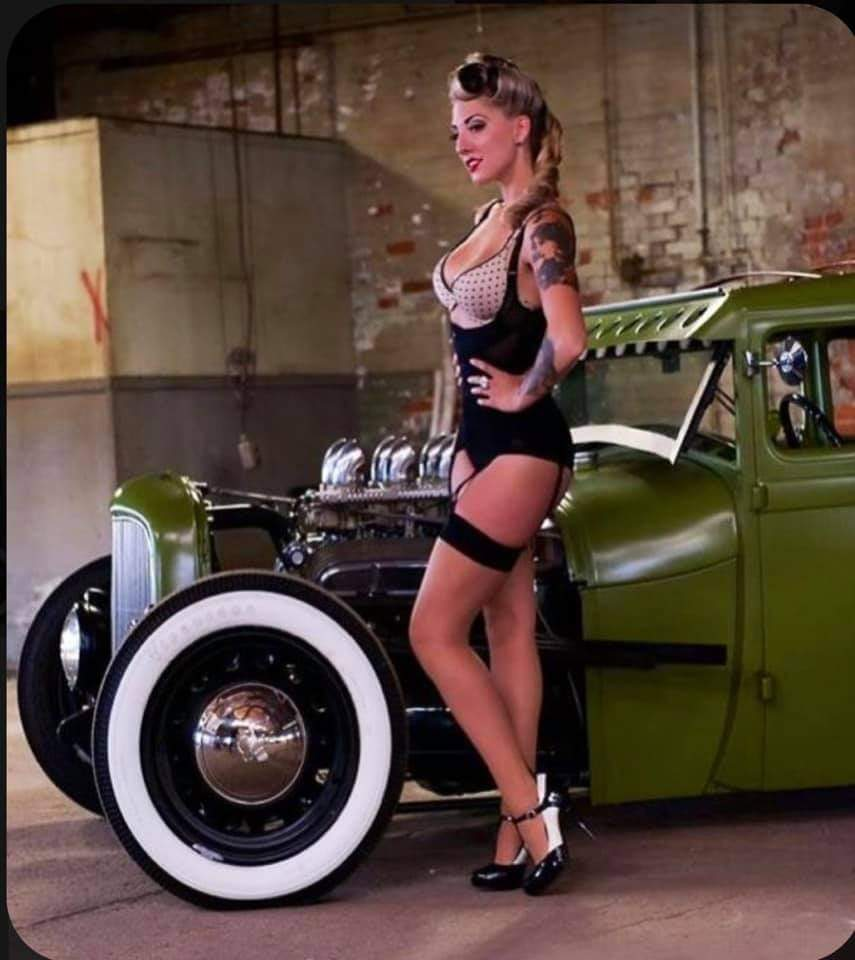 Pin-up et hotesse - Page 20 Fb_im284