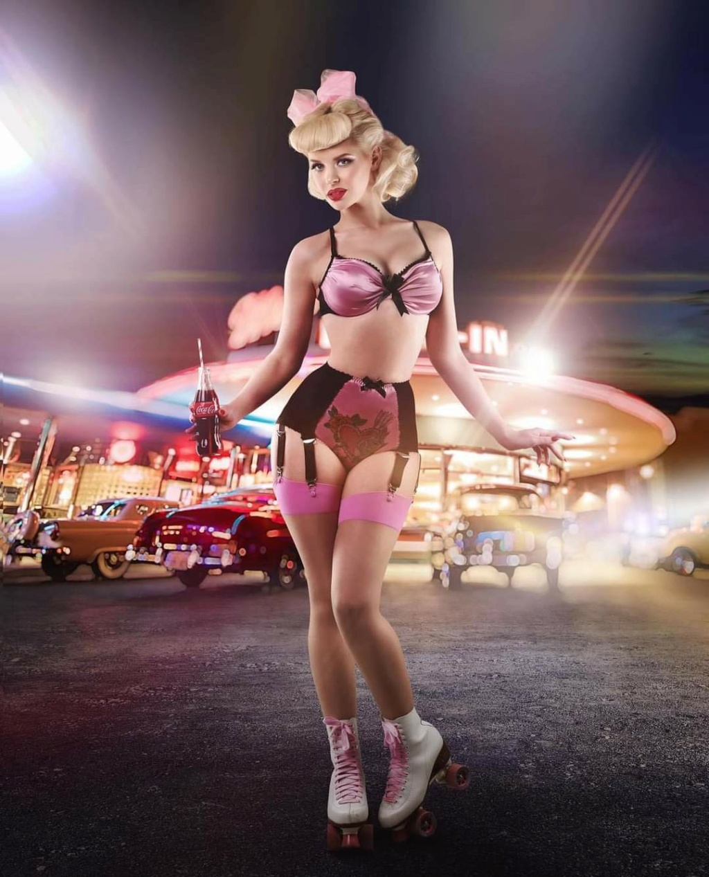 Pin-up et hotesse - Page 20 Fb_im300