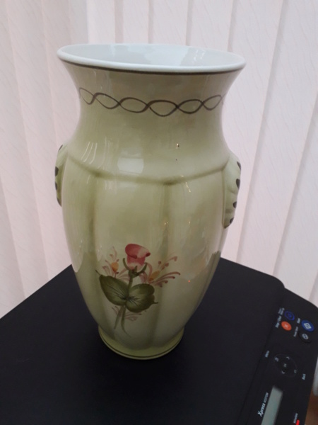 Simons Bros(London) Limited Vase_211