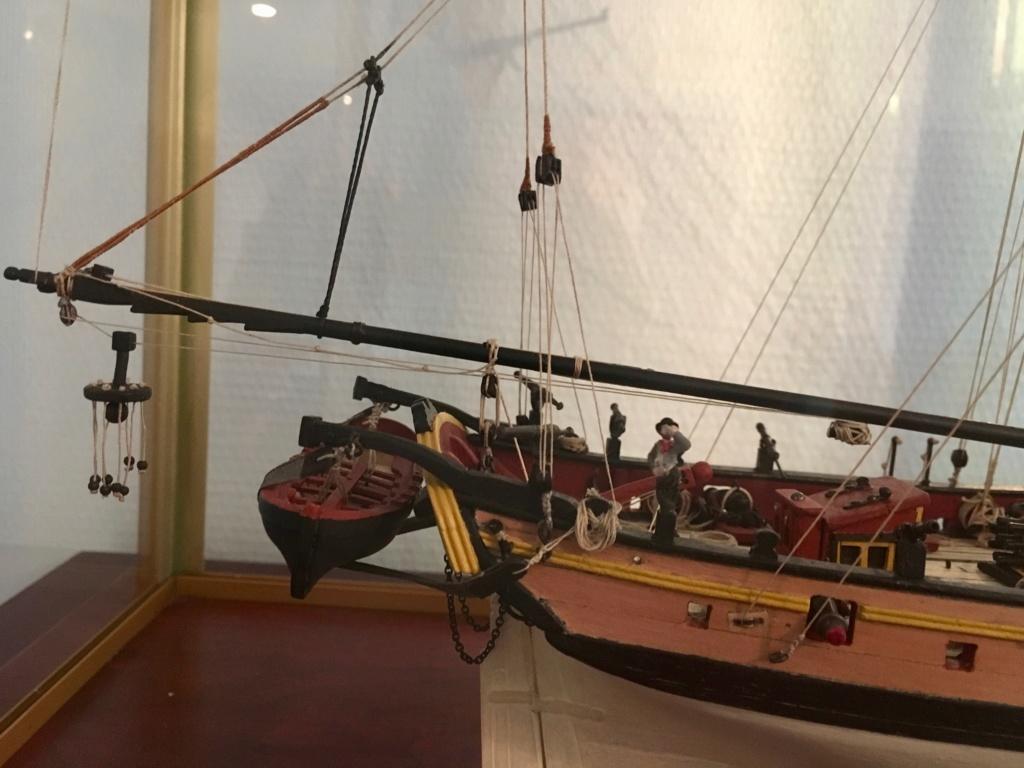 HMS Lady Nelson (Amati 1/64°) Img_1833