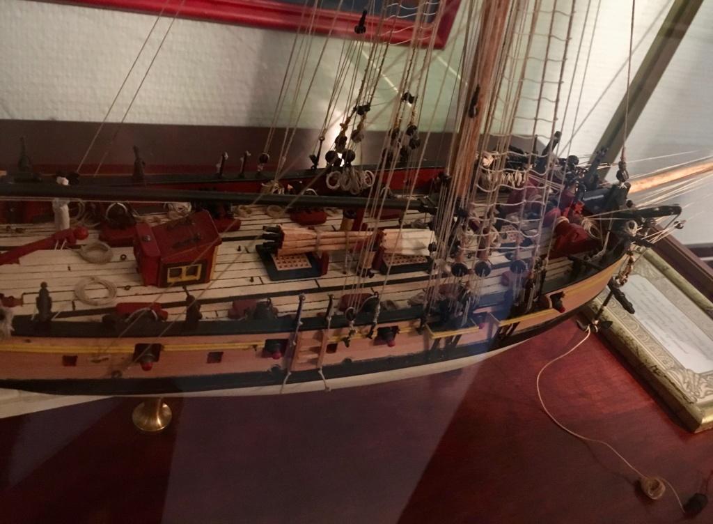 HMS Lady Nelson (Amati 1/64°) Img_1910