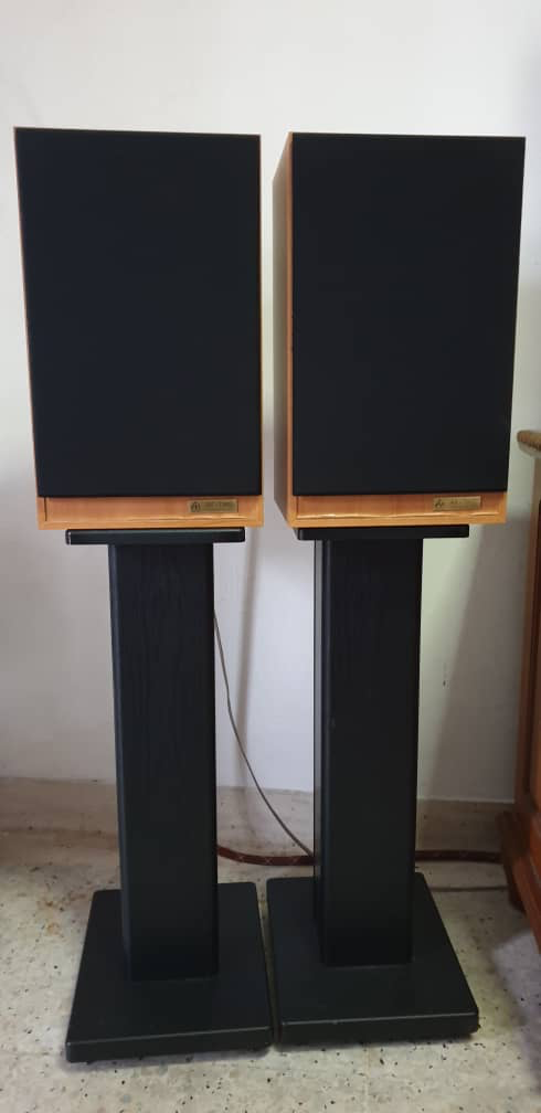 Audio Note AX two stand mount speaker RM2800 15725412