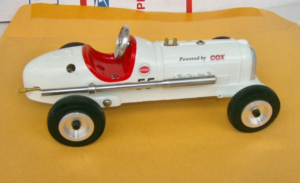 A little tether car cox powered Hpim1129