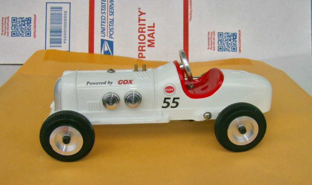 A little tether car cox powered Hpim1132