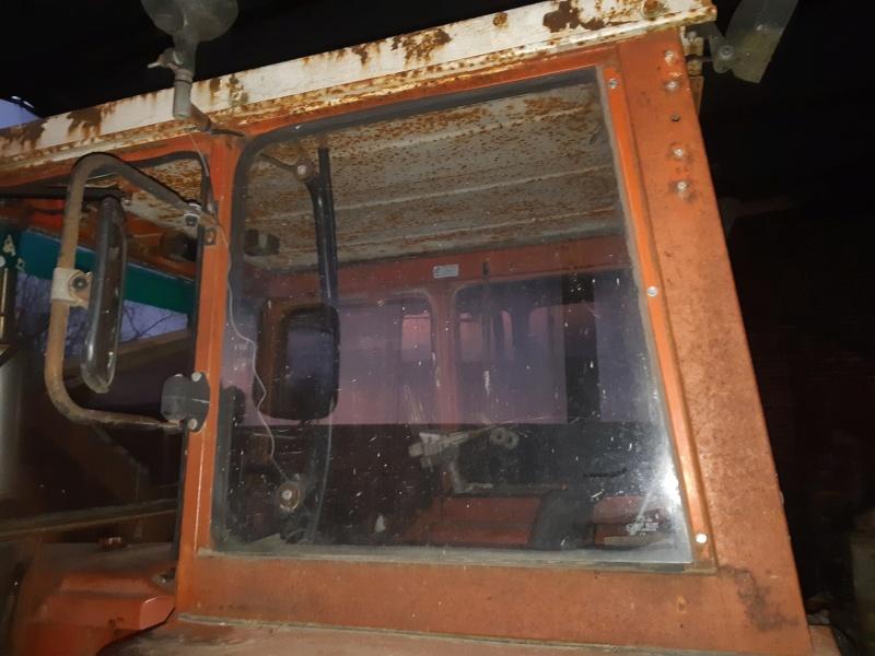 Recherche type cabine 461 pour vitre arrière  20201136