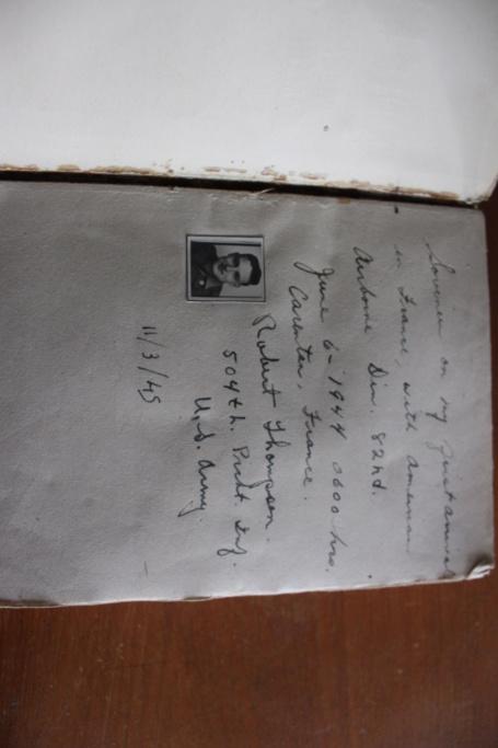 un petit livre surprise Img_5313