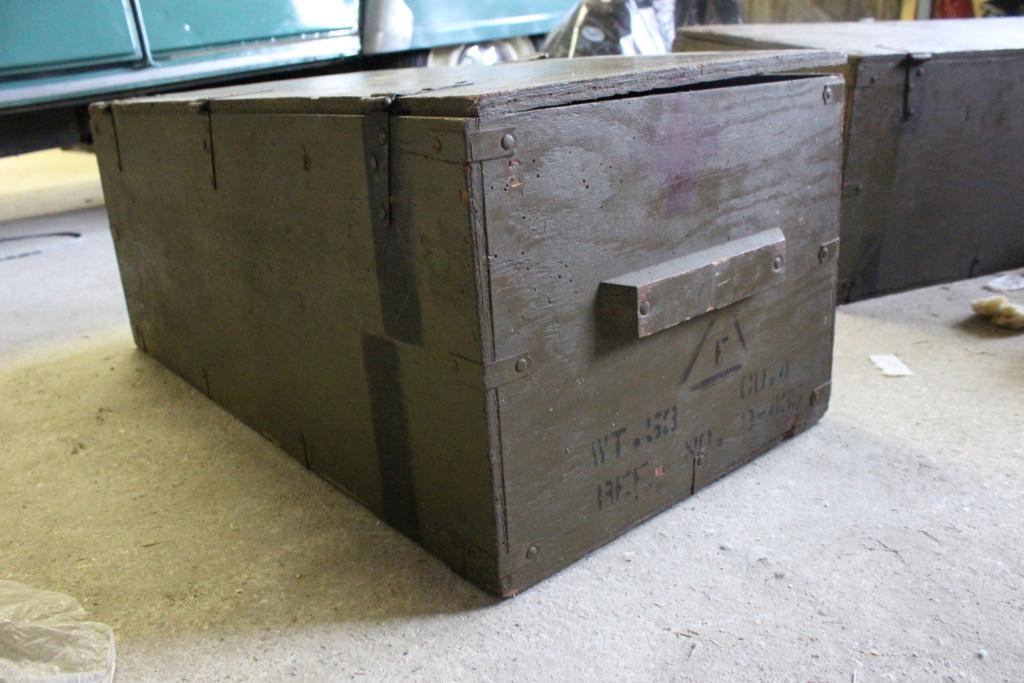 deux caisses qui ont voyagé Img_5612
