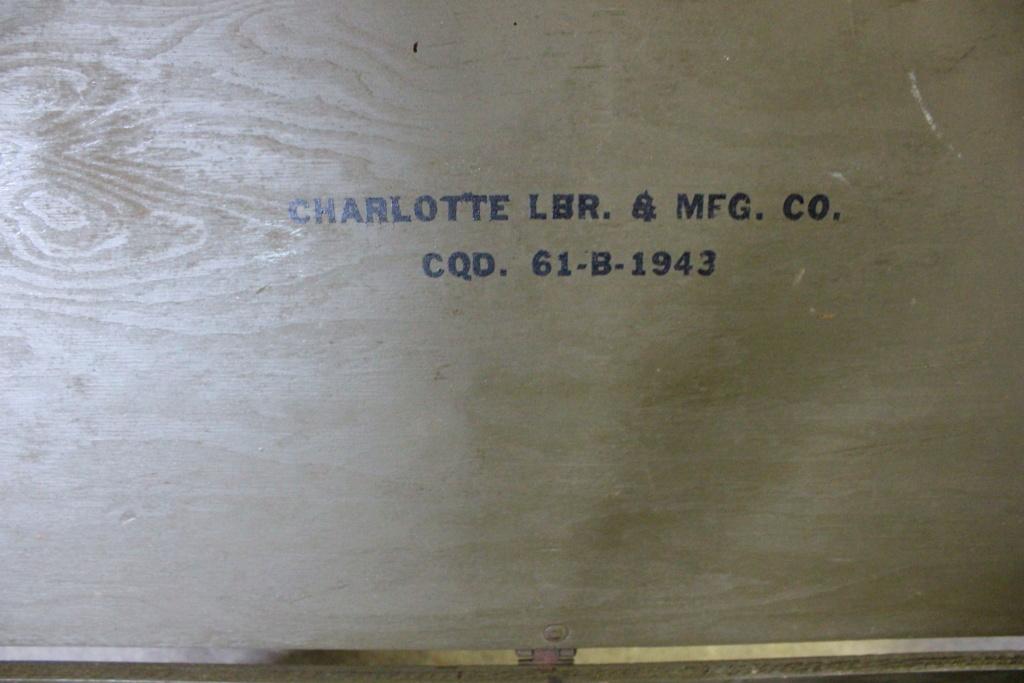 deux caisses qui ont voyagé Img_5614