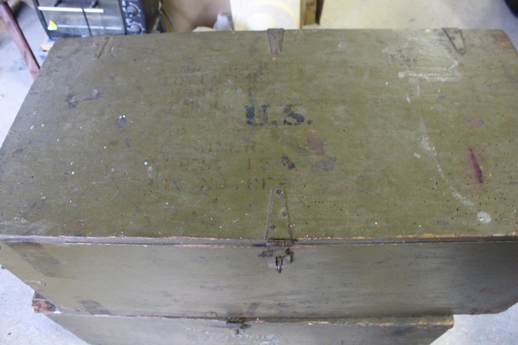 deux caisses qui ont voyagé Img_5615