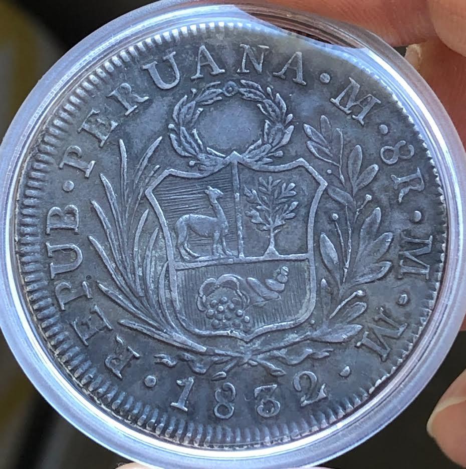 8 Reales de 1832. República de Perú. Rev10