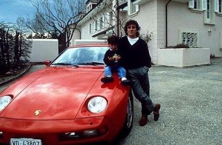 Les célébrités et leur Porsche Captu217