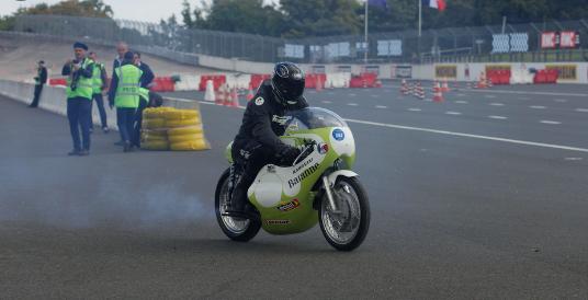 Quelques images du Wagen Fest sur le circuit de Montlhéry - Page 2 Captur69