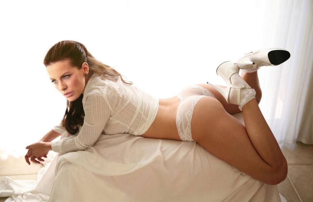Kate Beckinsale - Page 2 Kate_b10
