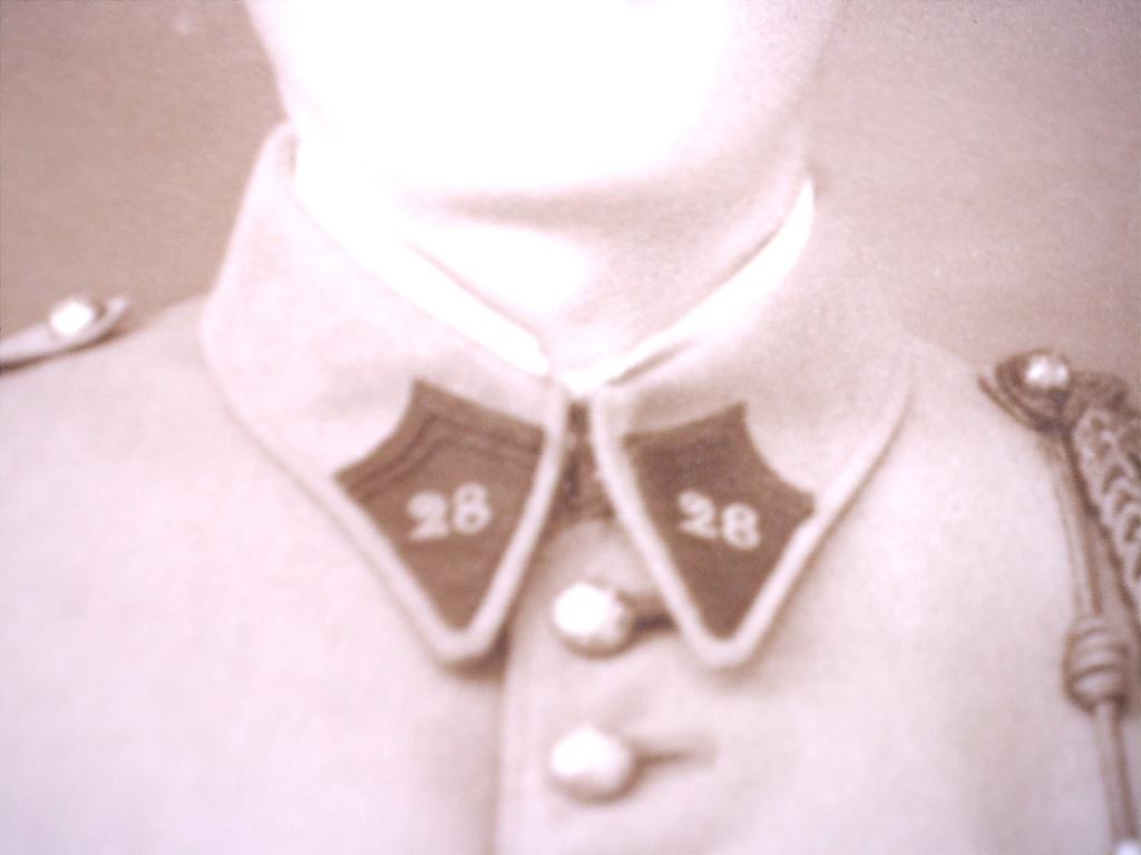 A identifier soldat numéro 28 avec fourragère 20412122