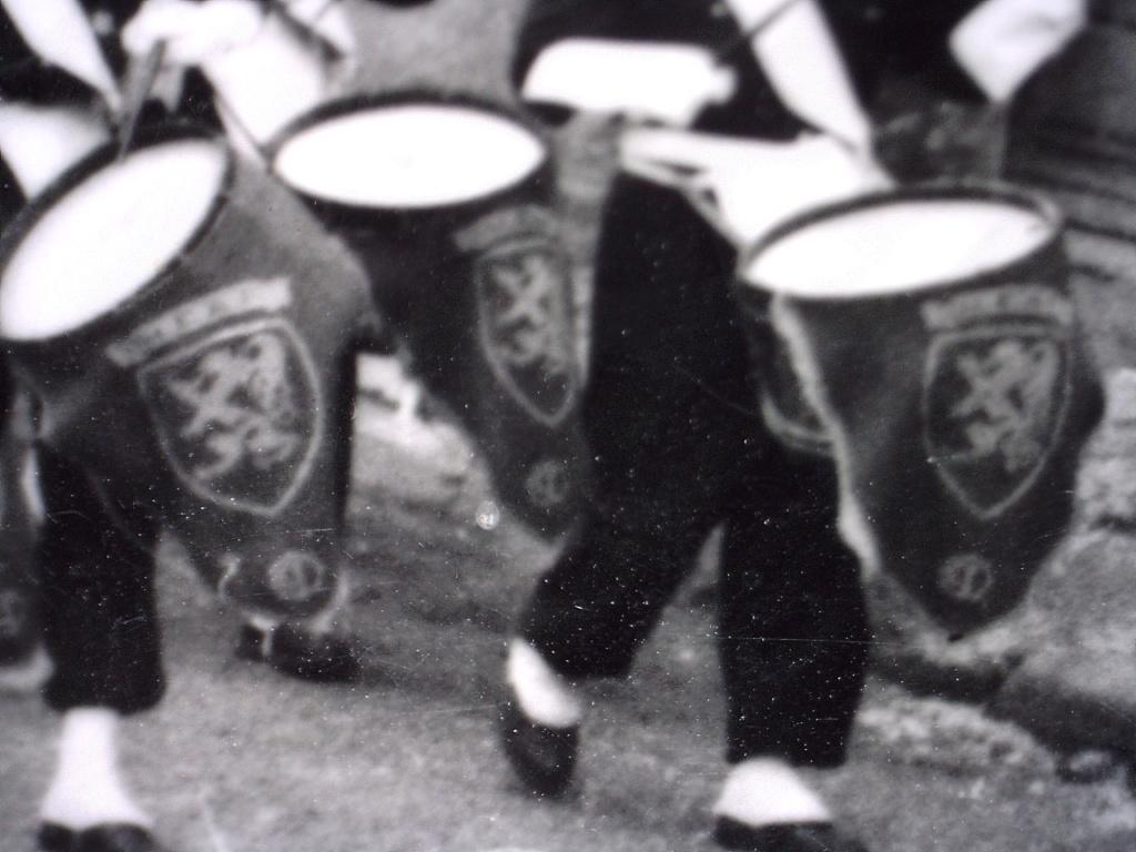 A identifier jeunes tambours scène militaires ? 20423221