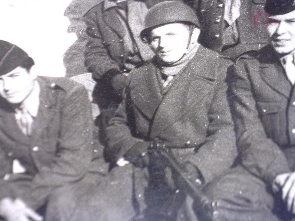 A identifier Groupe de militaires en 1958 20428133
