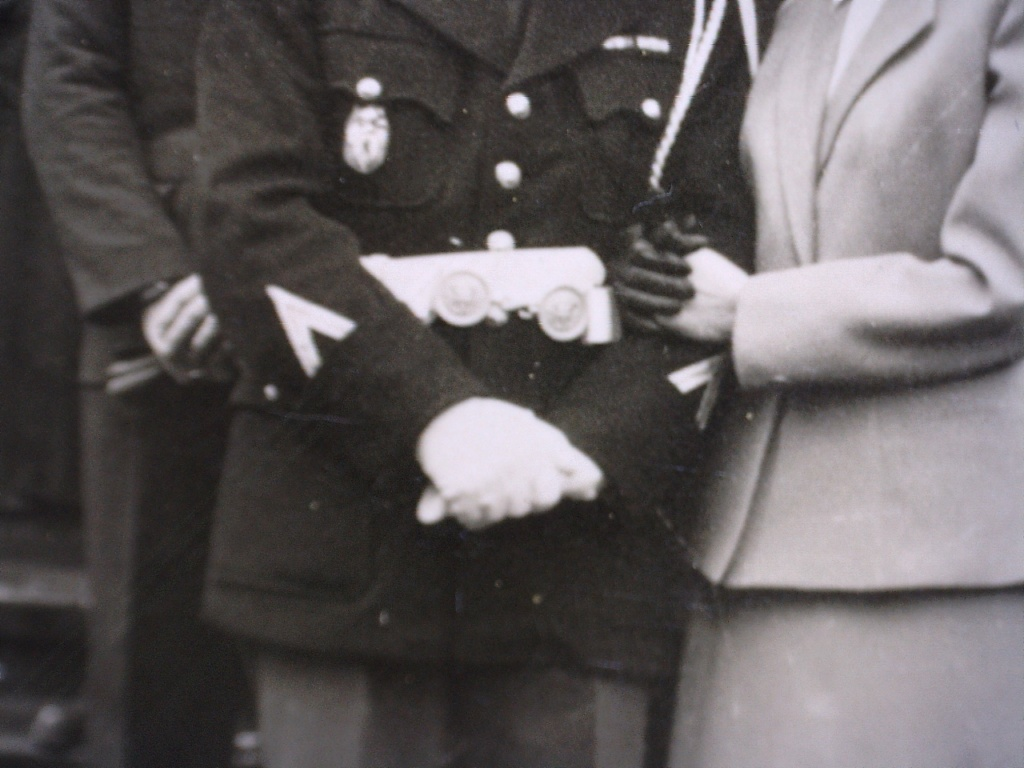 A identifier Gendarme en grande tenue lion sur insigne 20429120